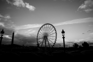 View of the big wheel at the Place de la Concorde.